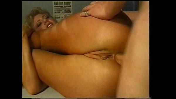 Tube porno com Puta Dando O Cu Gigante Para Colega De Trabalho
