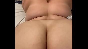 Filho Acorda A Mamãe Madura Excitada Para O Sexo Gostoso
