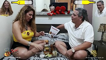 Dois Amigos Comendo Duas Coroas Gostosas Em Video Porno De Putaria