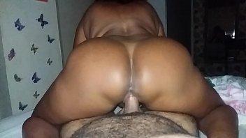 Mãe Tarada Pegou O Filho Se Masturbando E Transou Com Ele