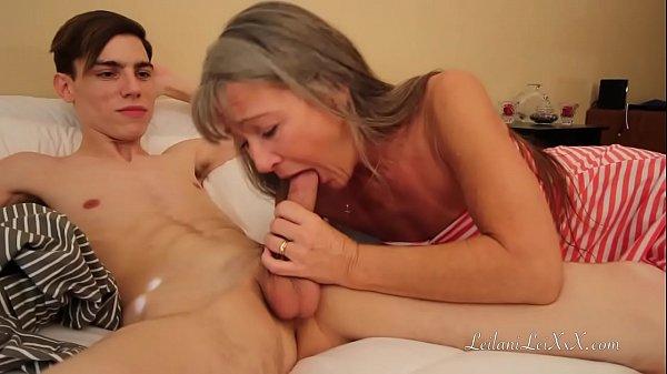 Pornhub sexo quente de mãe fodendo com iflho mais novo