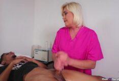 Hentai 3d massagista fodendo com seu cliente roludo
